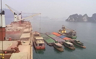 Loading ops at Halong anchoarge